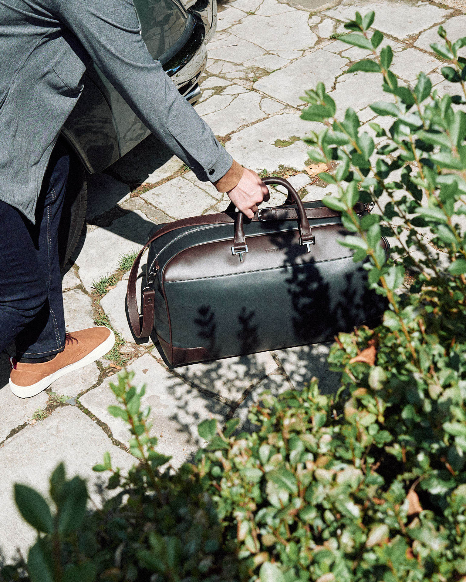 Tusting  leather holdall  by lifestyle photographer Tim Cole