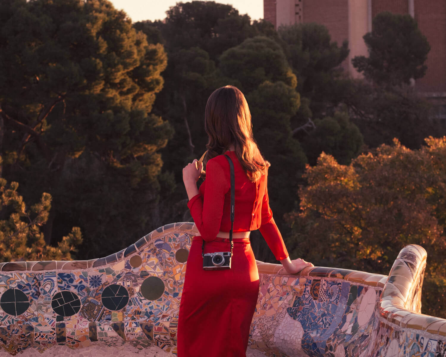 Woman in Park Güell Barcelona by lifestyle photographer Tim Cole