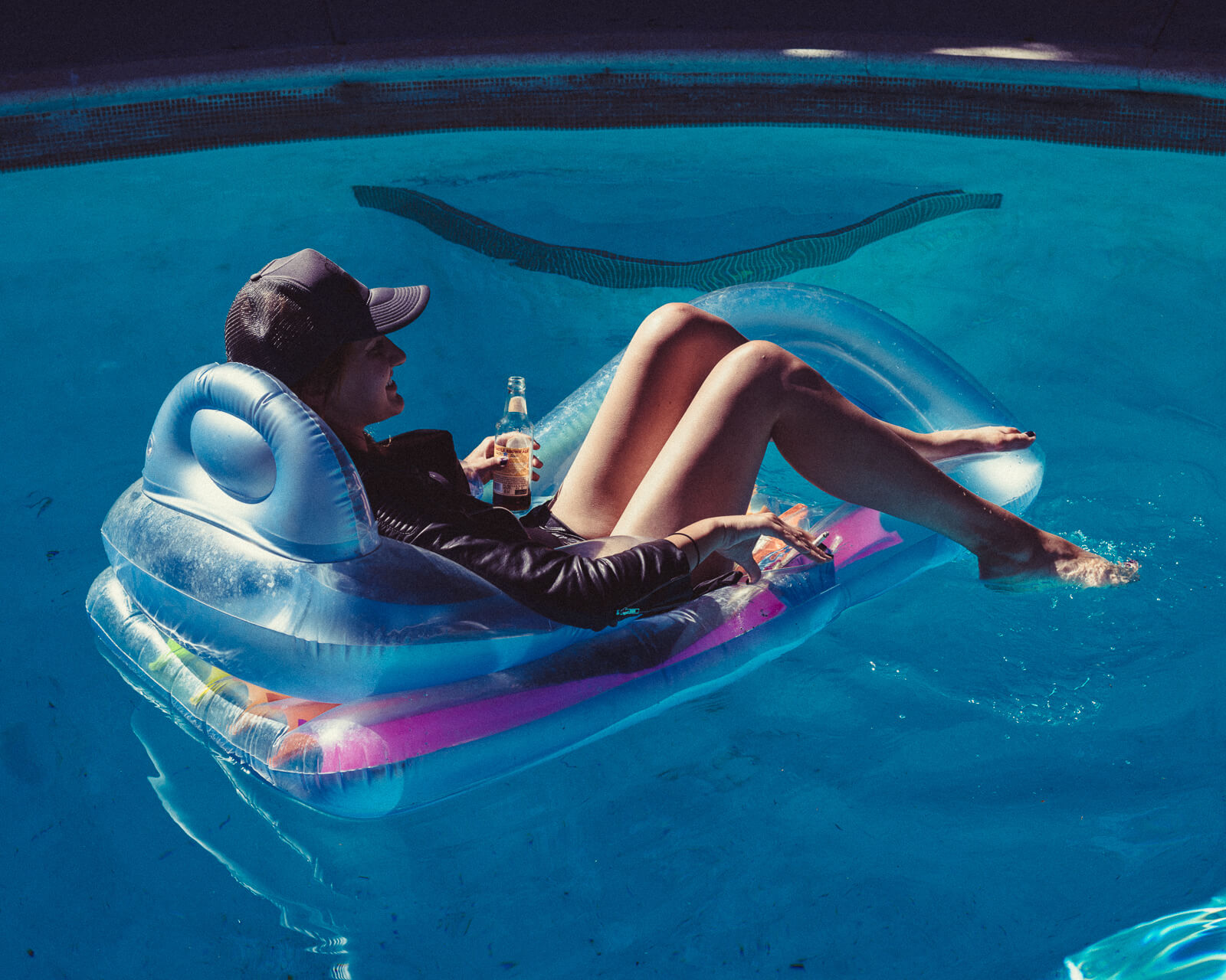 Hipster  girl relaxesl by lifestyle photographer Tim Cole